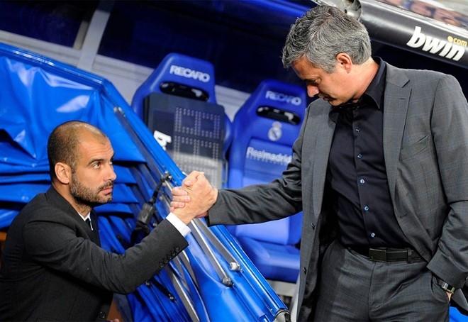 Derby thành Manchester bùng cháy dưới tay Mourinho và Pep