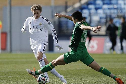 Odegaard lại khiến Real: Zidane đại chiến với Perez