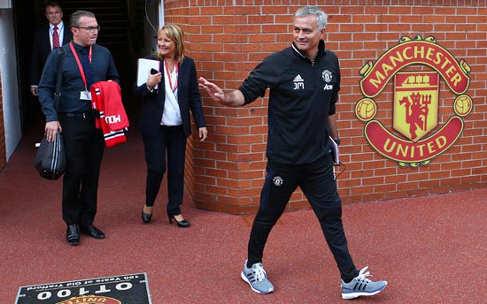 Old Trafford và những thử thách đang đợi Mourinho