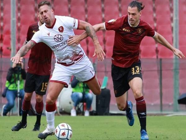 du-doan-bong-da-salernitana-vs-reggina-3h00-ngay-22